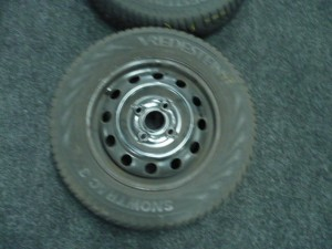 Winterbanden set Hyundai I10 155/70R13 6.0/5.0/6.5/4.5mm 17XRN4